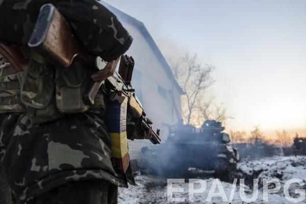 Военный получил телесные повреждения в результате обстрела боевиков из автоматов