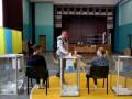 Место голосования на выборах сменили почти 200 тысяч украинцев