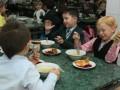 Кличко обеспечит школьников бесплатными обедами