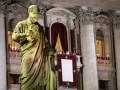 Ватикан уточнил имя нового Папы