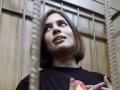 Объявившую голодовку Толоконникову переводят в другую колонию