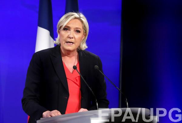 Марин Ле Пен грозит до трех лет за фото с жертвами ИГ