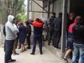 В Одессе титушки пытались разгромить магазин
