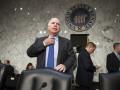 Россию нужно отключить от SWIFT и помочь Украине оружием - Маккейн