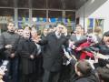Нардепы от Свободы и Батьківщини штурмуют здание МВД