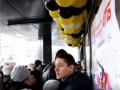 В Николаеве пенсионерки сорвали торжественное открытие супермаркета АТБ
