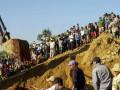 Число жертв оползня на шахте в Мьянме достигло 104 человека