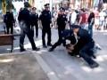Полиция скрутила пьяного мужчину в центре Киева