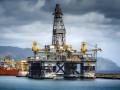 Нефть на мировых рынках дешевеет больше чем на 2%