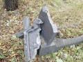 Во время обстрела боевики разгромили кладбище в Авдеевке