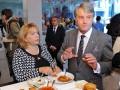 День в фото: Ющенко в фаст-фуде и потоп в Одессе