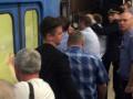 В новосибирском метро пассажиры толкали сломавшийся поезд