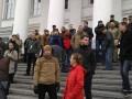 В Полтаве активисты заблокировали здание горсовета