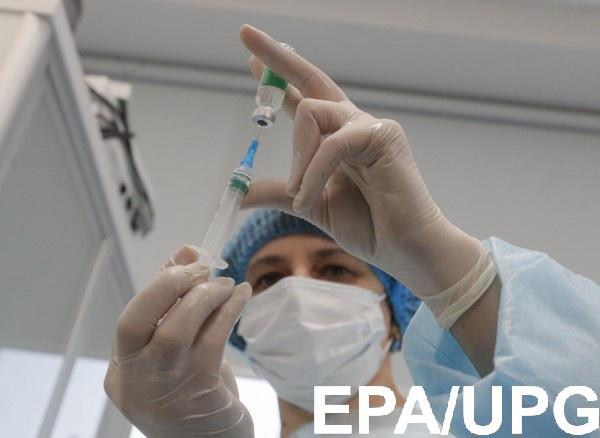 В Минздраве объяснили смерть украинки после COVID-прививки0