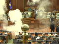 В парламенте Косово оппозиционер взорвал неизвестное устройство