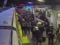 Работник метро спас пассажира за секунду до гибели