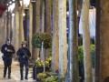Стало известно имя напавшего на полицейских в Париже – СМИ