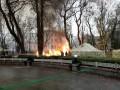 Под Верховной Радой сгорела палатка протестующих