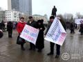 Жителей Донецка выгнали на митинг  с требованиями к Порошенко
