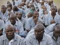В Кении из-за коронавируса заключенных выпускают из тюрем