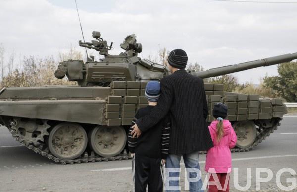 Гройсман: Российская Федерация недержит слово, наДонбассе ведет войну 4 тысячи бойцовРФ