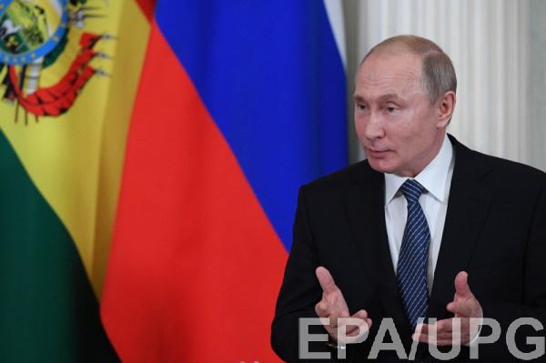 Первым о выдаче паспортов заговорил Путин