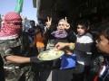 Палестинцы празднуют теракт, совершенный в синагоге Иерусалима