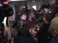 Бойцы Торнадо штурмовали отделение суда в Киеве