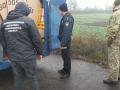 В Одесской области пытались перевезти через границу сомнительный клей
