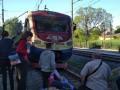 Под Львовом пассажиры перекрыли движение электрички