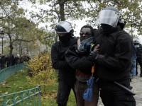 Почти 30 000 человек вышли на протесты во Франции