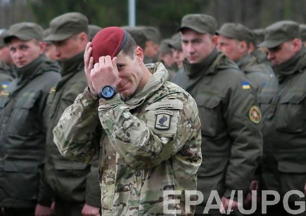 Глава Минобороны поблагодарил сержантов за службу и за верность Украине