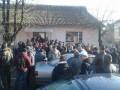 На Закарпатье сотни людей митингуют из-за плохих дорог