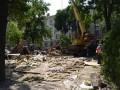 В Киеве на Контрактовой площади снесли кафе