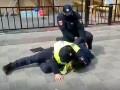 В Одессе копы жестко задержали предпринимателя за нарушение карантина