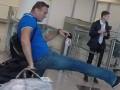 Навального забросали сардельками
