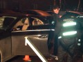 В Киеве расстреляли Mercedes: водитель погиб, его дети ранены