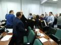 В Луцке депутаты горсовета устроили драку на ночном заседании