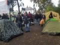 Активисты под Радой просят полицию выключить громкоговоритель