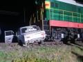 На Херсонщине локомотив протаранил легковушку на переезде