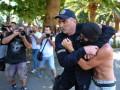 В Черногории сотни радикально настроенных людей пытались сорвать первый в стране гей-парад