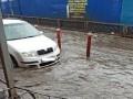 В Харькове ливнем затопило крупный рынок