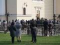 В Черновцах очереди в храмы, несмотря на карантин