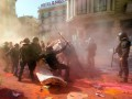В Барселоне сторонники независимости подрались с полицией