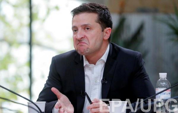Уровень одобрения Зеленского начал падать