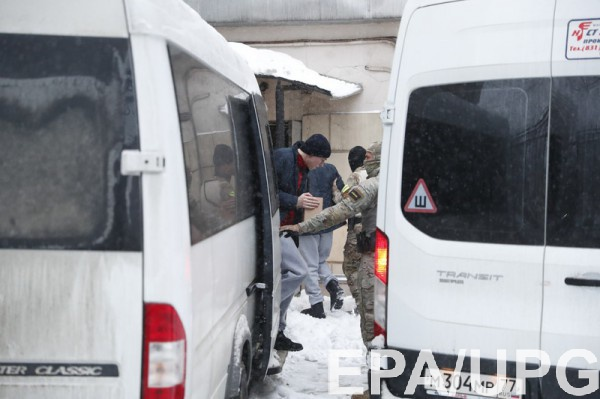 Суд отклонил жалобы на арест 20 моряков из 24