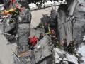 Обрушение моста в Генуе: под завалами не осталось живых людей