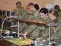 Шведский стол и йогурты: Полторак подписал концепцию питания ВСУ