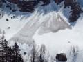 Спасатели предупреждают о лавинной опасности в Карпатах