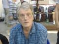 Фотофакт: Ющенко продавал вышиванки на антикварном рынке